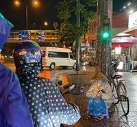 ''Chợ Lạc Xoong'' ngày đêm cứu trợ người nghèo TP.HCM trong dịch