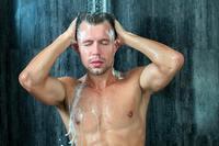 Quý ông quan tâm tới 3 bộ phận này khi tắm, thận hưởng lợi bất ngờ