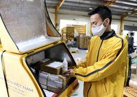 Lập danh sách nhân viên giao hàng hóa thiết yếu có nhu cầu hoạt động