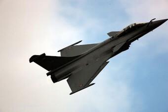 [ẢNH] Su-35 thất bại cực sốc khi lần đầu 'đọ cánh' cùng Rafale