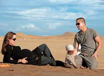 Brad Pitt – Angelina Jolie bị tố mua bài tẩy trắng hậu cắm sừng Jennifer Aniston