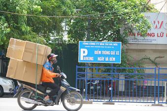 Hà Nội cho phép ''shipper'' của các sàn thương mại điện tử được hoạt động