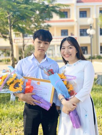 Hot: Lộ diện thí sinh thứ 2 đạt 10 điểm Văn tốt nghiệp THPT 2021