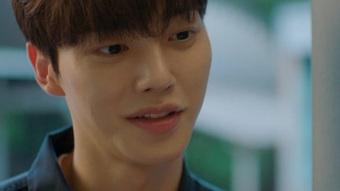 """Phim 19+ Nevertheless tập 5: Han So Hee vừa chia tay đã vội """"kiếm mối"""" mới, Song Kang lần đầu ghen tuông"""
