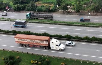 Nguy cơ thiếu lái xe vận chuyển hàng hóa ở phía Nam do cách ly y tế