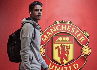 Tiết lộ mức lương 8 chữ số Varane sẽ nhận tại Man Utd