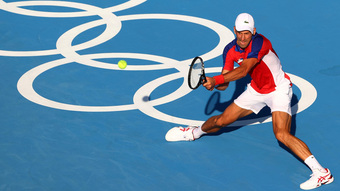 Djokovic than phiền về nắng nóng khắc nghiệt ở Olympic Tokyo