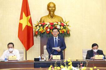 Biến cam kết thành hành động nhìn từ hai quyết định về phòng chống dịch của Chủ tịch Quốc hội Vương Đình Huệ
