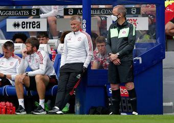 MU thua ngược QPR: HLV Solskjaer báo tin buồn về Telles, nói gì về Pogba?