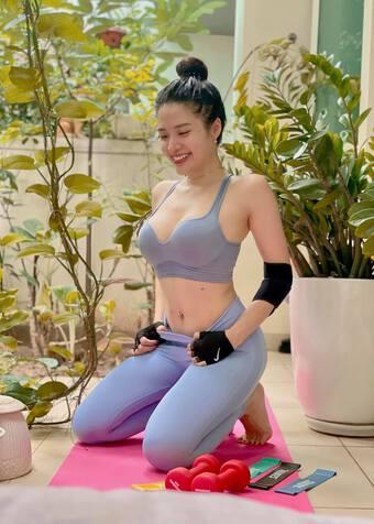 Hoa hậu Phan Hoàng Thu sở hữu bộ sưu tập đồ thể thao đẹp mắt