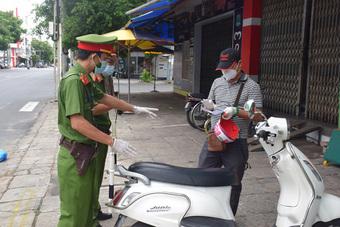 Phú Yên tạm giữ hình sự thanh niên dùng mũ bảo hiểm đánh thành viên tổ tuần tra