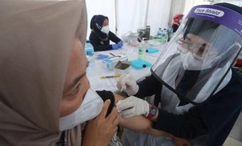 Hơn 194 triệu ca nhiễm COVID-19 trên toàn cầu, Malaysia có số người nhiễm mới cao chưa từng thấy