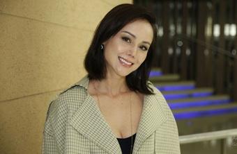 Hoa hậu châu Á đẹp nhất màn ảnh sống cảnh nợ nần, bê hàng kiếm sống