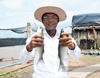 Một nông dân Việt Nam xuất sắc ở tỉnh Bạc Liêu tặng 10 tấn cá đặc sản cho bà con khu cách ly, phong tỏa