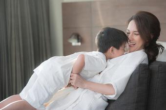Ngoại hình cao lớn con trai MC Quỳnh Chi và chồng cũ Văn Chương