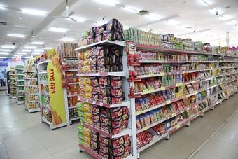 Hà Nội: Khách mua sắm tại siêu thị giảm, nguồn hàng thực phẩm dồi dào