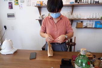 Chiêu kinh doanh của các quán cà phê tại Hà Nội trong mùa dịch COVID-19