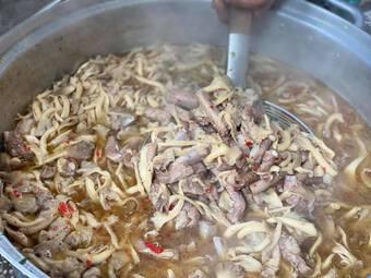 Bếp ăn nghĩa tình hơn 5.000 suất mỗi ngày của người TP.HCM chống dịch