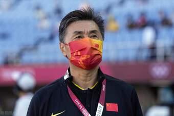 """Đội nhà nhận thêm tin xấu, báo Trung Quốc giận dữ: """"Chúng ta đã tự kéo sập Vạn Lý Trường Thành"""""""