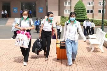 41 sinh viên Khoa Y dược ĐH Tây Nguyên lên đường hỗ trợ tỉnh Bình Dương chống dịch Covid- 19