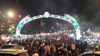 Lễ 30.4 - 1.5: Hàng trăm ngàn phương tiện đến Đà Lạt