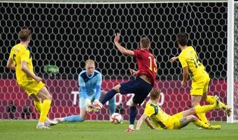 Dàn sao Tây Ban Nha nhọc nhằn đánh bại Olympic Australia