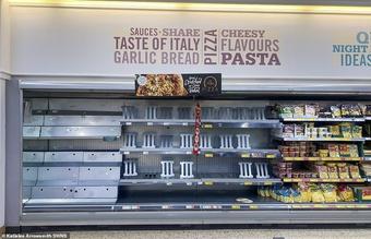 Cảnh siêu thị Anh hết sạch hàng hóa vì ''pingdemic''