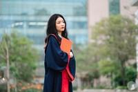 Nữ sinh chuyên Văn THPT chuyên Hà Nội Amsterdam thủ khoa tốt nghiệp THPT với 2 điểm 10 tuyệt đối