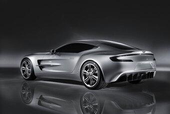 Top 10 siêu xe dùng động cơ hút khí tự nhiên mạnh nhất trong lịch sử