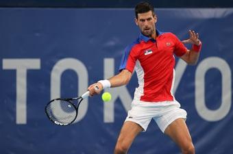 Djokovic tiếp tục hành trình nuôi mộng giành HCV Olympic