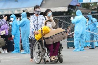 Người dân Phú Yên ở TP.HCM về quê miễn phí, hãy gọi những số điện thoại này