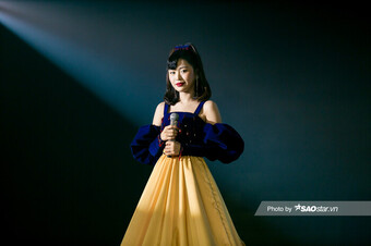 Han Sara hóa nàng Bạch Tuyết gen Z , Cara rực rỡ với áo dài trên sân khấu The Heroes