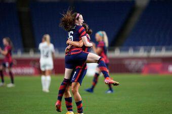 Đội tuyển bóng đá nữ Mỹ trở lại mạnh mẽ nhưng còn nhiều vấn đề