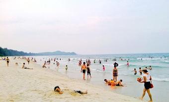 Bãi biển Sơn Hào – thiên đường 'giải nhiệt' ngày hè và sống ảo tuyệt đẹp