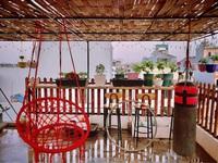 Mẹ đảm biến sân thượng thành vườn rau, quầy bar, bể bơi cho cả nhà thư giãn