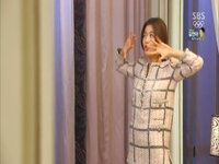 Jeon Ji Hyun mặc đẹp ở tuổi 40