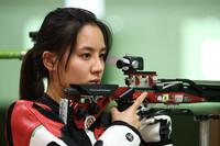 Nữ thần bắn súng Trung Quốc bị ''ném đá'' vì đăng ảnh selfie sau thất bại ở Olympic