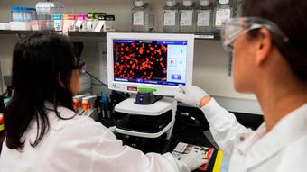 """Loại vắc xin COVID-19 công nghệ mới, có hiệu quả hơn 90%, có thể """"diệt"""" các biến thể của SARS-CoV-2"""