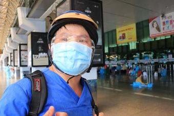 Chia tay Sài Gòn về quê vì Covid-19: Nước mắt, nụ cười ngày trở lại Huế thương!