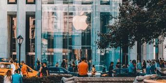 Sự kiện ra mắt iPhone 13 tiếp tục được thực hiện trực tuyến
