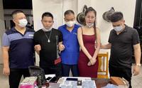 Thiếu nữ đang bị truy nã vẫn đi buôn 1.500 viên thuốc lắc