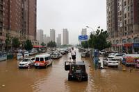 """Thảm cảnh lũ lụt ở Trung Quốc và châu Âu: Cú đấm """"trời giáng"""" vào cuỗi cung ứng toàn cầu"""