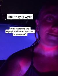 Nhiệt tình khoe đang xem Olympic cùng lũ bạn cho người yêu, gã trai tự vạch trần chuyện ngoại tình chỉ bằng 1 bức ảnh