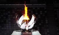 Phong cách mỹ nhân Nhật thắp đuốc Olympic