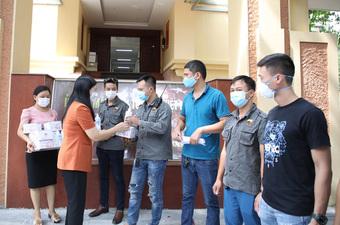 Hà Nội hỗ trợ 200 người khuyết tật bị ảnh hưởng do dịch bệnh Covid-19