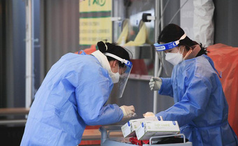 Hàn Quốc ghi nhận hơn 1.300 nhiễm mới trong ngày thứ hai liên tiếp