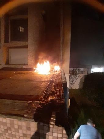 Đại sứ quán Cuba tại Pháp bị ném bom xăng
