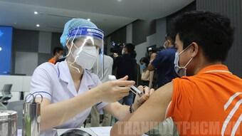 Số liều tiêm vaccine phòng COVID-19 cả nước vượt mốc 5 triệu