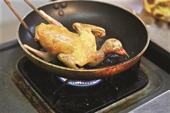 Cách nấu thịt bồ câu nhồi rán