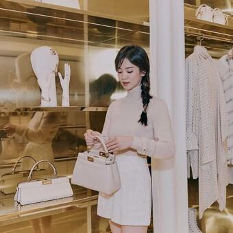 Song Hye Kyo như gái 18 khi mặc trang phục sang ngút ngàn tại sự kiện